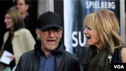 El popular director y productor Steven Spielberg, junto a Oprah Winfrey y Tom Hanks, son los tres famosos dispuesto a participar del proyecto de la Casa Blanca.