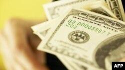 Chi tiêu của giới tiêu thụ Mỹ gia tăng