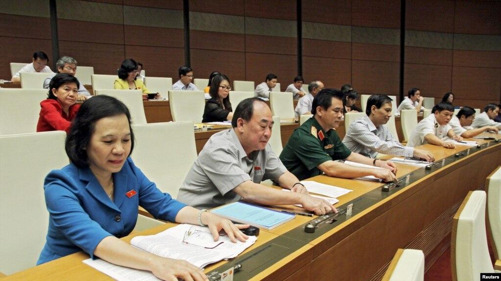 Quốc Hội bỏ phiếu xây sân bay Long Thành, 2015.