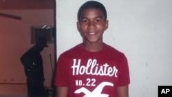 Cậu Trayvon Martin, 17 tuổi, bị bắn chết khi trong tay không có tấc sắt ở Florida