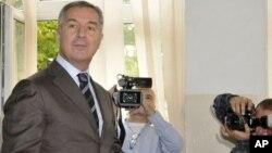 Predsednik DPS-a Milo Đikanović glasa na izborima u Crnoj Gori