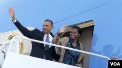 Presiden Obama dan Michelle Obama berangkat menuju India dalam kunjungan 10 hari di Asia. Dari India, Obama akan bertolak ke Jakarta.