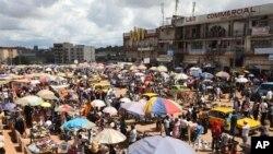 Vue du marche de Mokolo, Yaoundé, Cameroun, 10 octobre 2011