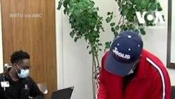 111-річна жінка зі штату Індіана отримала щеплення від коронавірусу. Відео