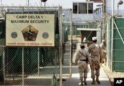 Prisión naval estadounidense en Bahía de Guantánamo, Cuba.
