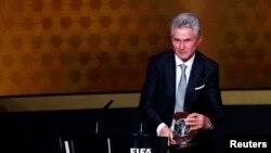 Jupp Heynckes juste après son prix d'entraineur FIFA de l'année 2013, Zurich le 13 janvier 2014