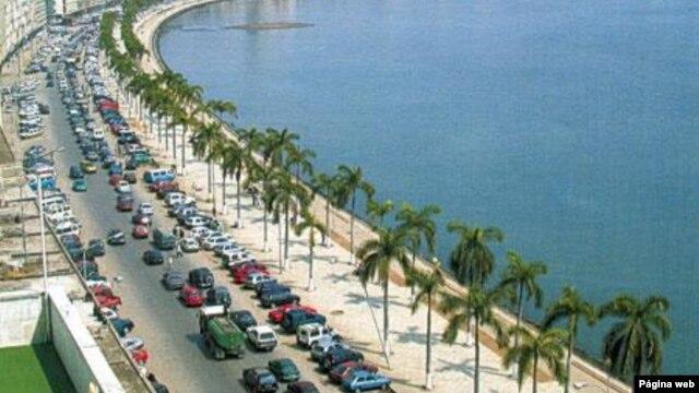 Avenida 4 de Fevereiro, antiga Avenida Marginal em Luanda