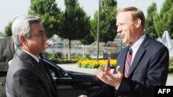 Հայաստանի նախագահն այցելել է ԱՄՆ-ի դեսպանատուն, ուղերձ հղել ԱՄՆ-ի նախագահին