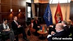 Visoka predstvanica EU Federika Mogerini razgovara sa predsednikom Crne Gore Milom Đukanovićem