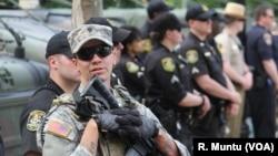 Polisi AS siaga di kota Baltimore saat unjuk rasa 2 Mei lalu (foto: dok).