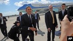 President Barack Obama arrives at JFK International Airport in New York, Sept. 24, 2012.