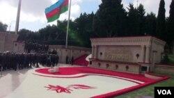 Azərbaycan 20 Yanvar şəhiddlərinin xatirəsini anır