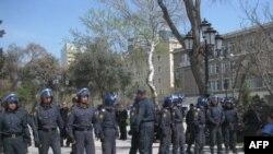 Bakıda polis aksiyanı dağıtdı (VIDEO)