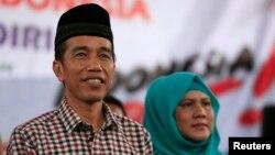 "Kandidat presiden Joko ""Jokowi"" Widodo bersama istri Iriana dalam sebuah kampanye di Majalengka, Jawa Barat."