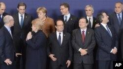 유럽연합 중기 예산안 관련 논의를 위해 23일 벨기에 수도 브루셀에 모인 유럽연합 회원국 정상들.