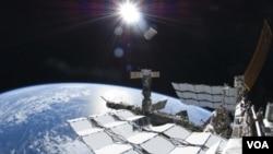 En junio pasado, la tripulación a bordo de la Estación Espacial Internacional se vio ante una emergencia.
