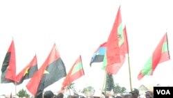Bandeiras da UNITA e MPLA (Arquivo)