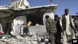 NATO menuduh serangan bunuh diri atas pasukan koalisi di Afghanistan dilakukan 'orang dalam', namun dibantah oleh para pejabat Afghanistan (foto: dok).