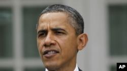 """美國總統奧巴馬表示卡扎菲之死是對中東地區獨裁強人的警告﹐鐵腕統治""""必然滅亡""""。"""