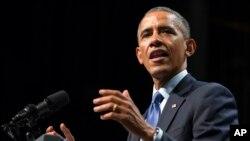 Predsednik Obama govori o stanju ekonomije na Univerzitetu Nortvestern u Evanstonu, 2. oktobra 2014.