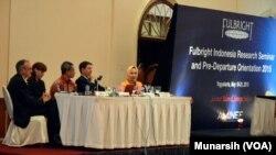 Pembekalan (pre-Departure Orientation) untuk penerima beasiswa Fulbright asal Indonesia untuk tahun ini dan seminar yang terbuka untuk masyarakat diselenggarakan di Yogyakarta, 19-21 Mei 2015 (Foto: VOA/Munarsih)