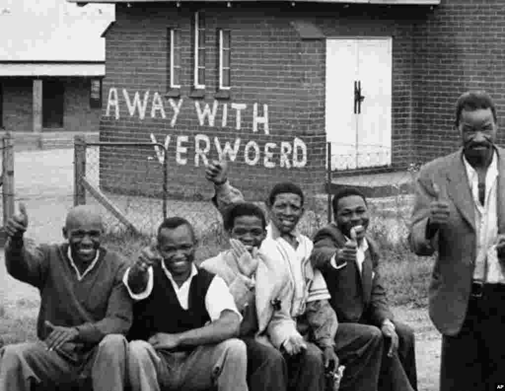 In this March 28 1960 file photo, members of the African National Congress take part in a day of mourning at Orlando East, near Johannesburg, South Africa. (AP)