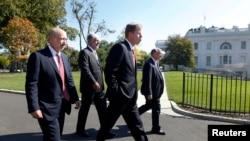 Giám đốc điều hành các ngân hàng lớn đến Tòa Bạch Ốc để gặp Tổng thống Obama.