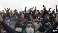 Moskvada qeyri-rus millətlərə qarşı həyata keçirilən zorakılıqlarla bağlı yazıçı Çingiz Hüseynovla söhbət