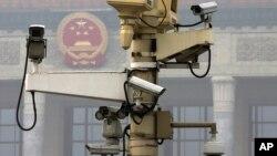 焦点对话:中国监控领先世界,一人两个摄像头?