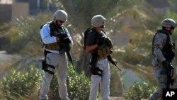 د ۲۰۱۲ کال په لومړیو کې په افغانستان کې د امریکا د دفاع وزارت د قراردادیانو شمیر ۱۱۷ زره تنه و