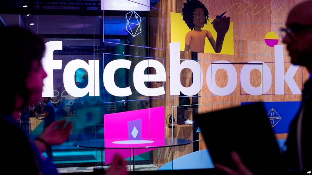 Facebook công bố chức năng 'dịch thuật'