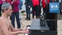 Pologne: concert sur une plage de la Baltique pour aider un jeune pianiste