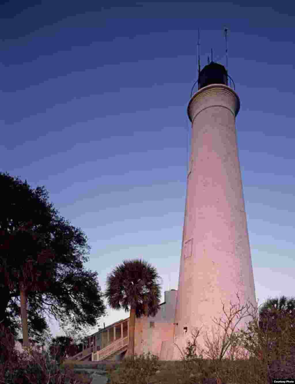 El faro de St. Marks en la Bahia de Apalachee, en las salientes de Florida en el Golfo de México. (Foto: Carol M. Highsmith)