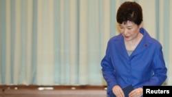 خانم پارک ۶۵ ساله، اولین رئیس جمهوری زن کره جنوبی بود.