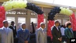 Mesa de honra na abertura ano academico na Universidade Lueji A'Nkonde, em Malanje