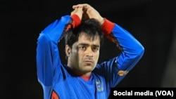 راشد خان پر ټویټر او فیسبوک لیکلي دي: نور بس دی!