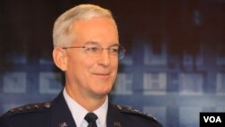 El general estadounidense Douglas Fraser dijo que Cuba y Venezuela están bajo la mira del Comando Sur.