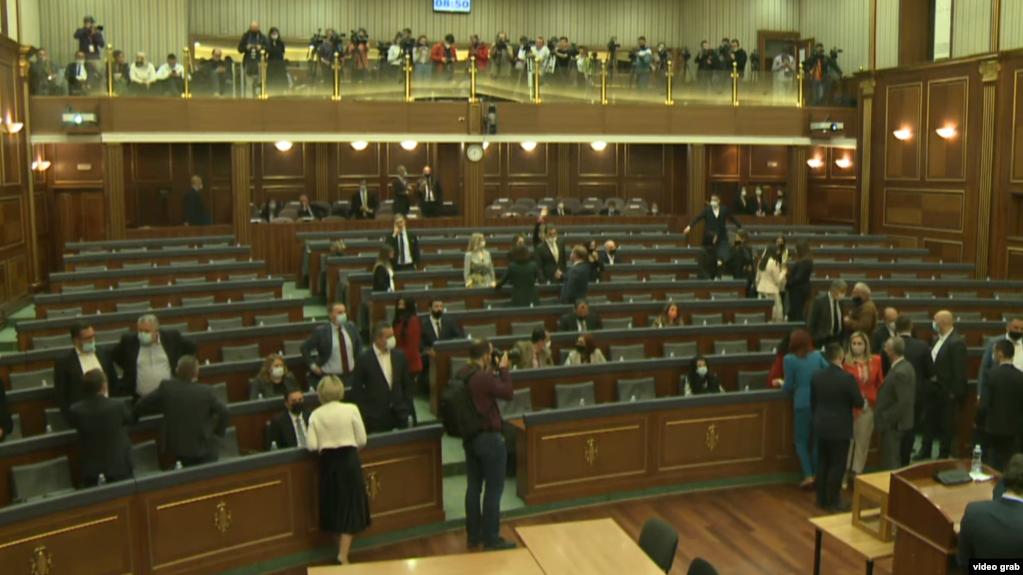 Parlamenti i Kosovës hapi seancën për zgjedhjen e presidentit