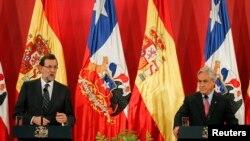 Fue en esta rueda de prensa con el jefe del gobierno español, Mariano Rajoy, que el presidente Piñera pidiera a Cuba su colaboración.