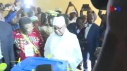 Vote du président Keita à l'élection présidentielle au Mali (vidéo)