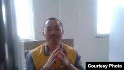 被关押期间的公民活动人士丁家喜(网络图片)