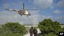 肯尼亞軍方在索馬里南部空襲。