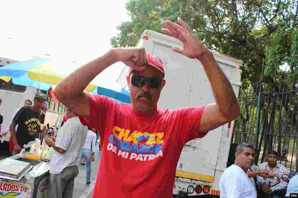 Apoyando a Nicolas Maduro [VOA].
