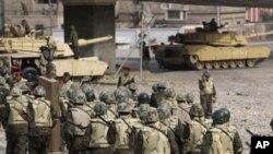 مداخله اردو در بین مظاهره کننده گان در مصر