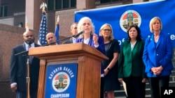 洛杉磯縣公共衛生部門主任宣布,當地新確診了六名新冠病毒病例。(2020年3月4日)