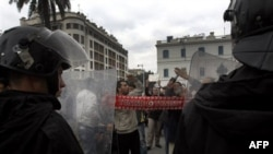 Демонстрации протеста в Тунисе. 18 января 2011 года