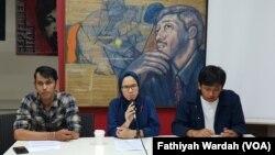 Jumpa pers Komisi Untuk Orang Hilang dan Korban Kekerasan (Kontras) soal hasil investigasi kasus penembakan mahasiswa di Kendari, Jakarta, Senin, 14 Oktober 2019. (Foto: Fathiyah Wardah/VOA)