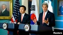 Bình luận của ngoại trưởng Kerry được đưa ra sau những cuộc họp tại Washington với Bộ trưởng Ngoại giao Nam Triều Tiên Yun Byung-se hôm thứ Sáu.