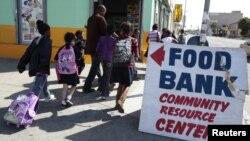 Una encuesta de la investigación señala que un 63% de los estadounidenses opinan que el Gobierno federal debería invertir más recursos en la infancia.