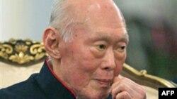 លោក លី ក្វាន់យូ (Lee Kwan Yew) ស្ថាបនិកប្រទេសសិង្ហបុរីទំនើប អតីតនាយករដ្ឋមន្ត្រី និងជាស្ថាបត្យករនៃការធ្វើឲ្យសេដ្ឋកិច្ចរបស់សិង្ហបុរីងើបឡើងនៅក្នុងសេដ្ឋកិច្ចសកលលោក បានទទួលមរណភាពក្នុងជន្មាយុ ៩១ឆ្នាំ។